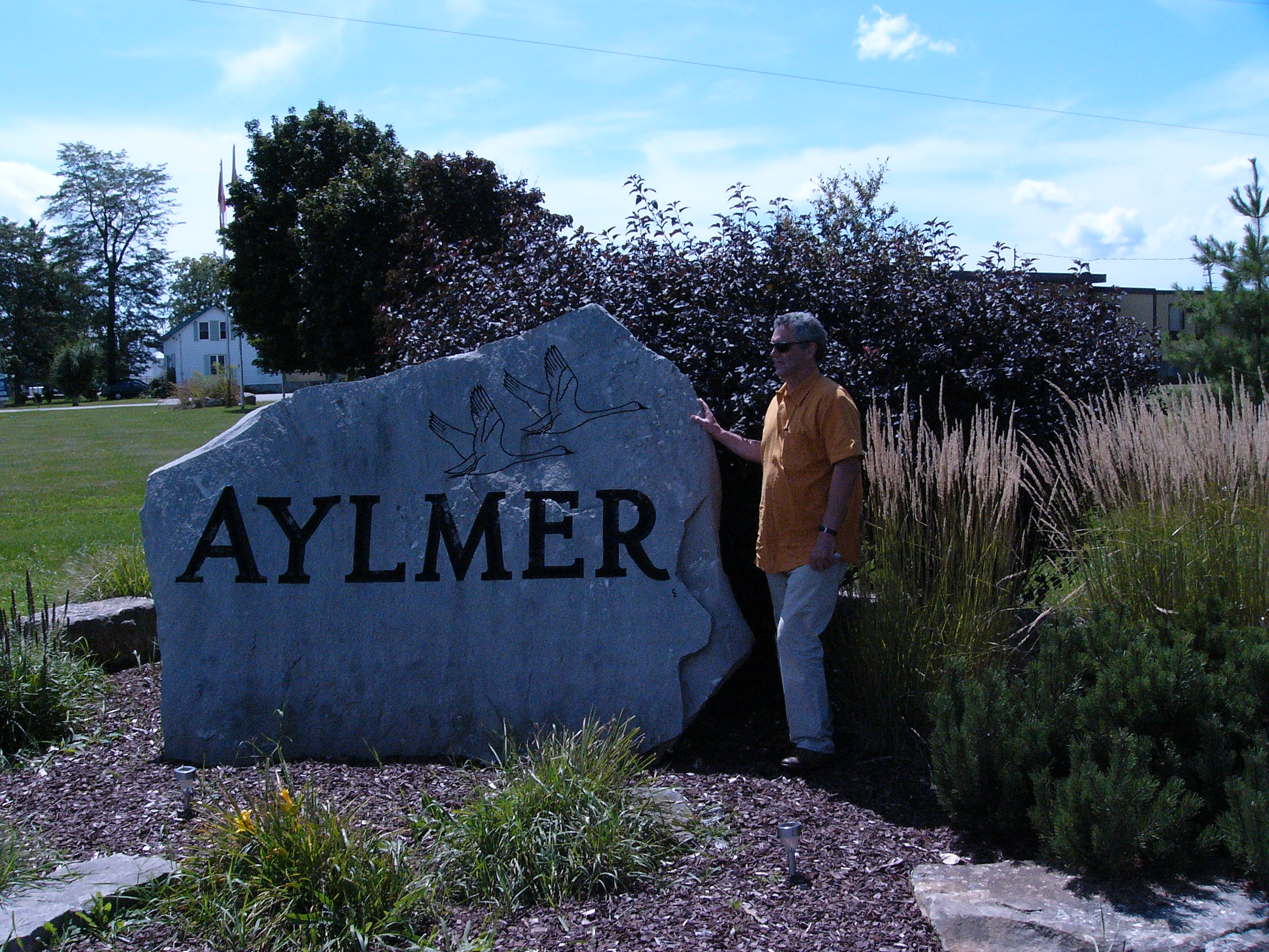 aylmer women Curves is one of the largest chains of fitness centers for women in the world - famous for its 30-minute circuit that works every major muscle group with strength training, cardio, and.