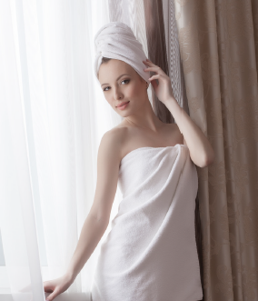 canstock_lady in towel